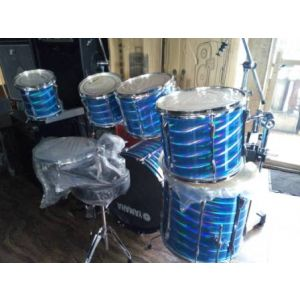 7 Piece Yamaha drum set